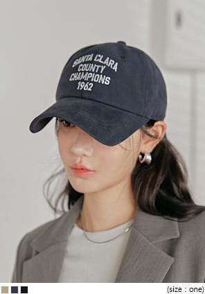 CLARA LETTERING BALL CAP