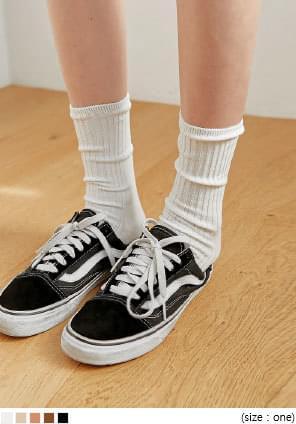 纯色棉混纺罗纹中筒袜