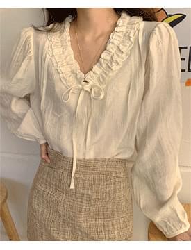 Shushu frill ribbon blouse