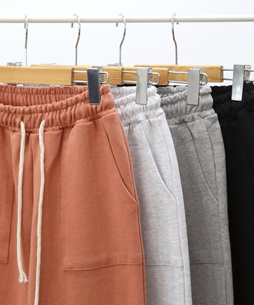 Out Pocket Churi Jogger Pants