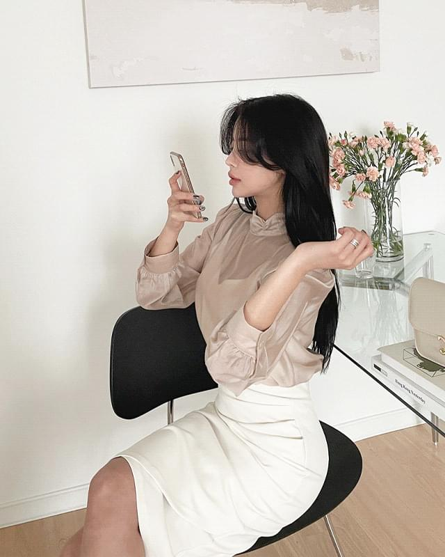 Nia puff see-through blouse