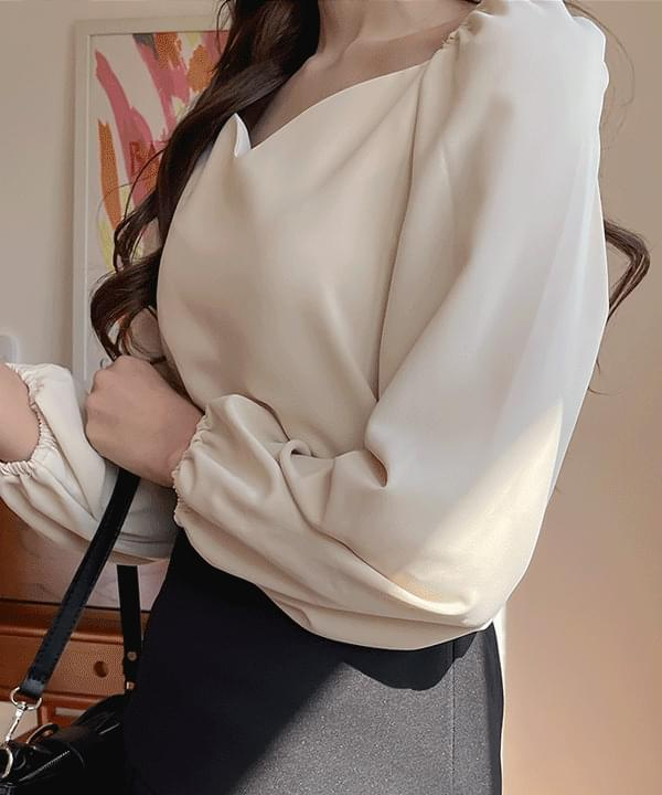 Smore Heart Neck Blouse 3color 襯衫