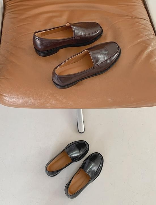 Modern glossy loafers