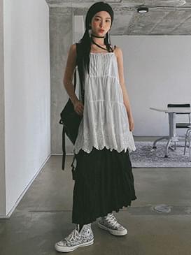 Eyelet label mini Dress 迷你短洋裝