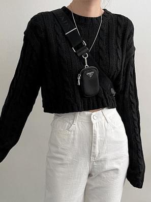 Twisted Crop Knitwear