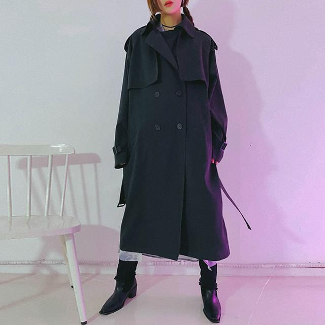 Buttering trench coat
