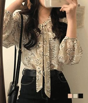 A bunch of lily bows blouse 襯衫