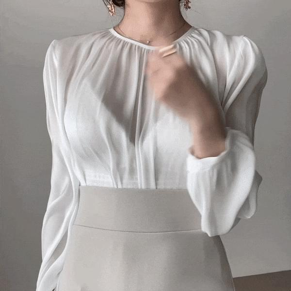 Slim fit silky shine shiny pearl see-through blouse 2color