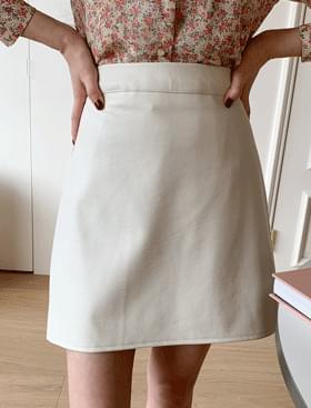 Burata leather SK ♥ shorts lining 裙子