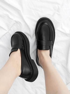 Isshu semi-matte classic whole-heel loafers shoes 10812 ♡7th sold out♡