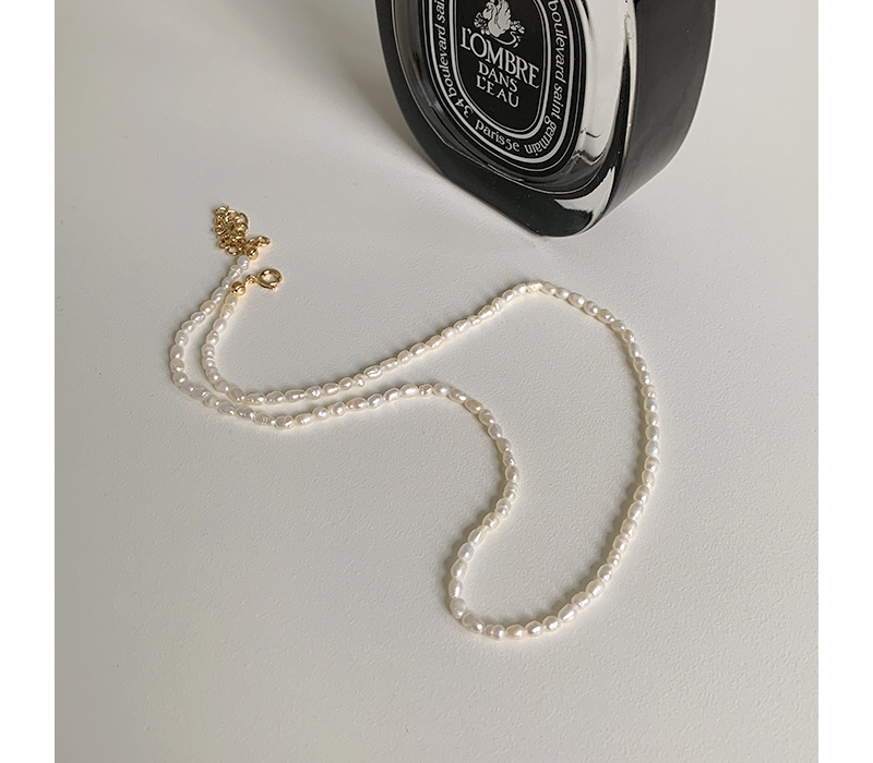 Thetis Simple Pearl Necklace
