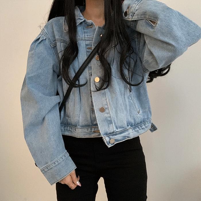 Retro short jean jacket