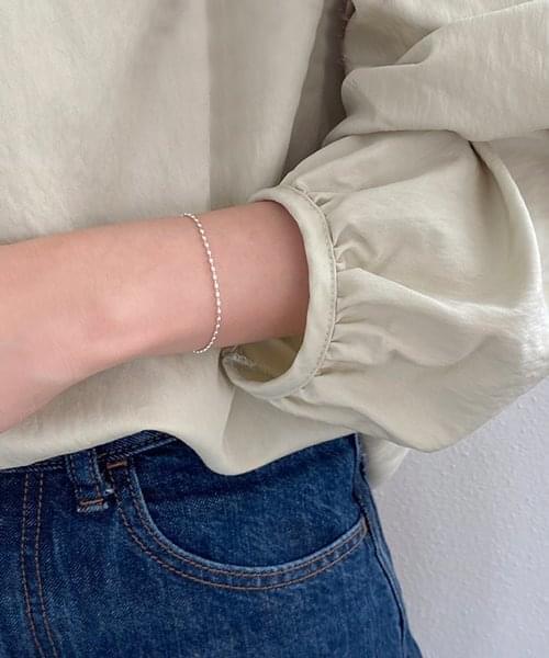 mount bracelet