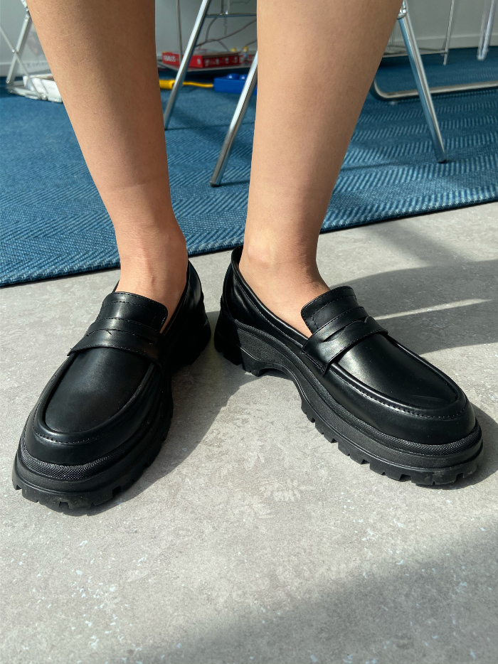 Classic sneakers lightweight loafers