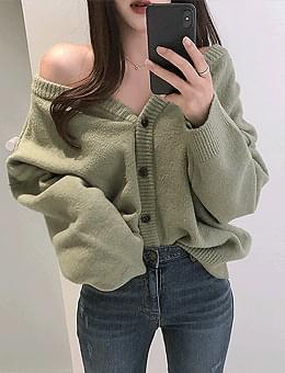 More than Loose-fit, plenty of syrup Loose fit off-shoulder double-sided knitwear cardigan