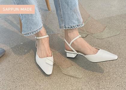 Aaront strap middle heel