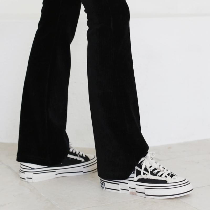 Culture Whole Heel Sneakers
