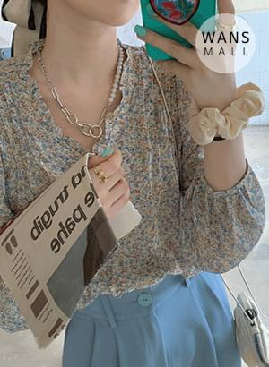 bl3986 Anne floral V-Neck blouse