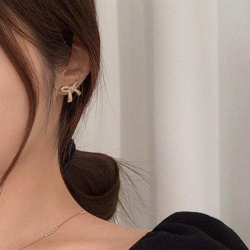 Simple Ribbon Cubic Earrings A#YW011