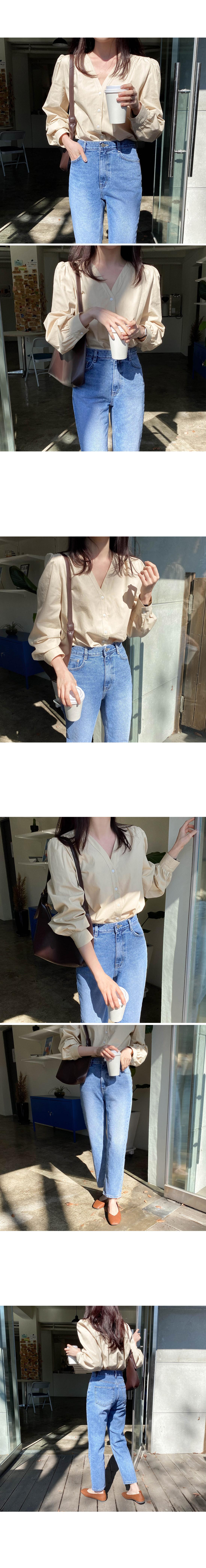 Viola V-Neck blouse