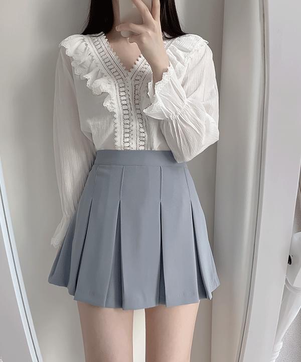 Prin V lace blouse 2color