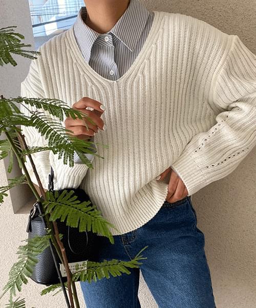 Tutu V-Neck Loose-fit Knitwear