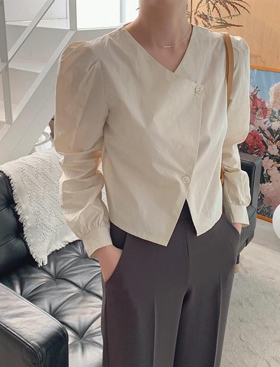 Slow diagonal blouse
