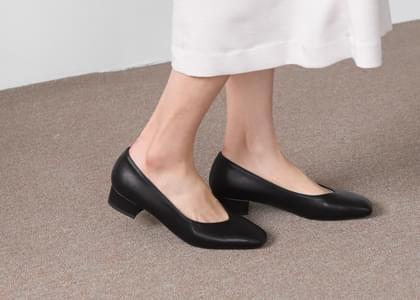 Maeldine Square Flat Shoes