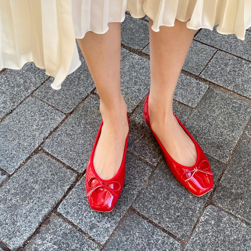 Erino enamel ribbon flat shoes