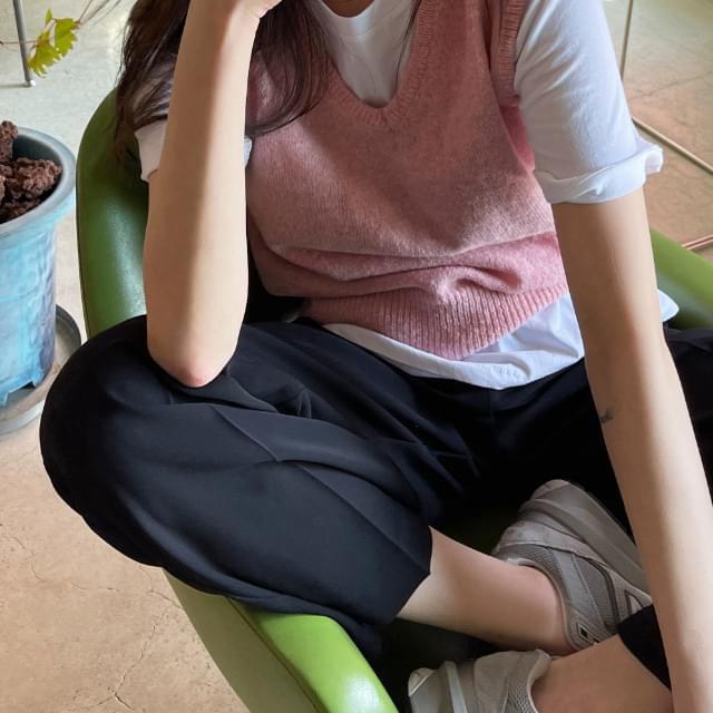 Honey Semi-Crop Knitwear Vest 針織外套