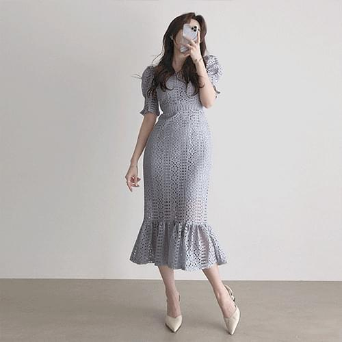 Thin Puff Short Sleeve Square Neck Punching Lace Dress 2color