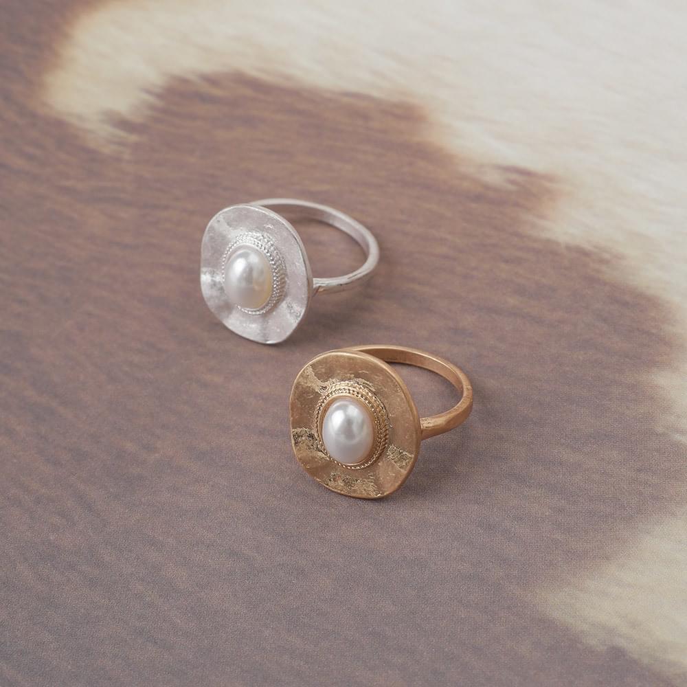 Metal pearl ring