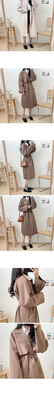 Feminine strap coat