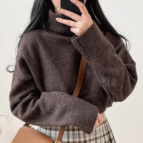 Nika Turtleneck Knitwear
