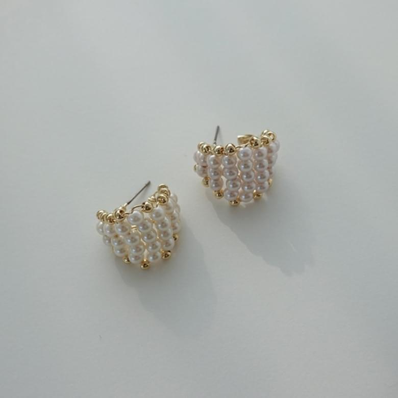 Pearl gold line nickel-free needle earrings