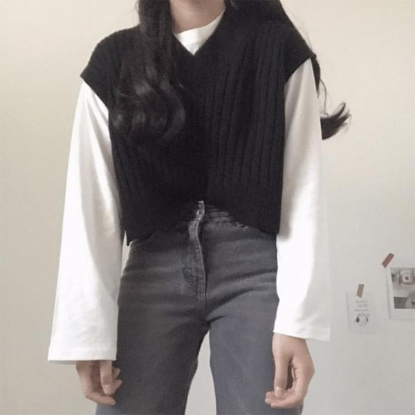 Gray straight denim pants