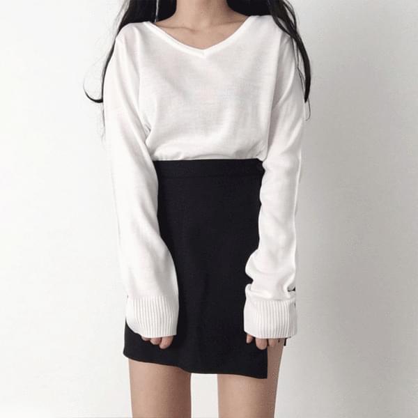 Dali V-Neck Knitwear