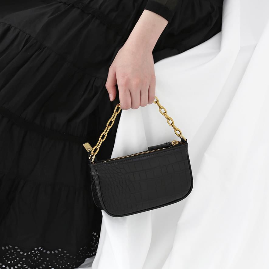 Gold chain pouch bag