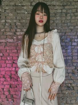 Shirring Yura Crop Blouse