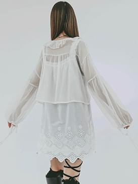 See-through thanks frill blouse