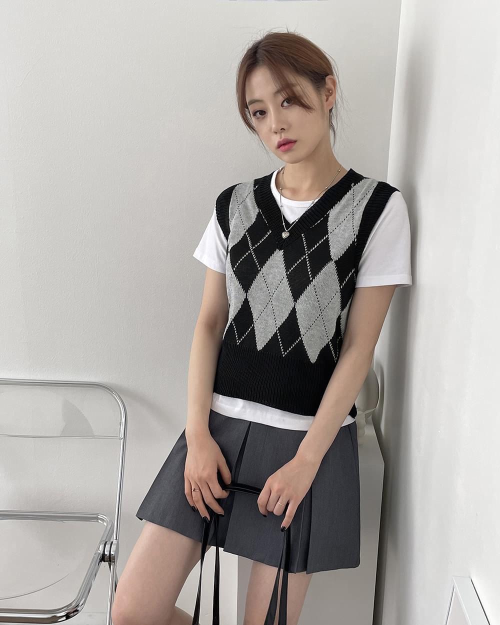 Zero Argyle V-Neck Cropped Knitwear Vest Vest