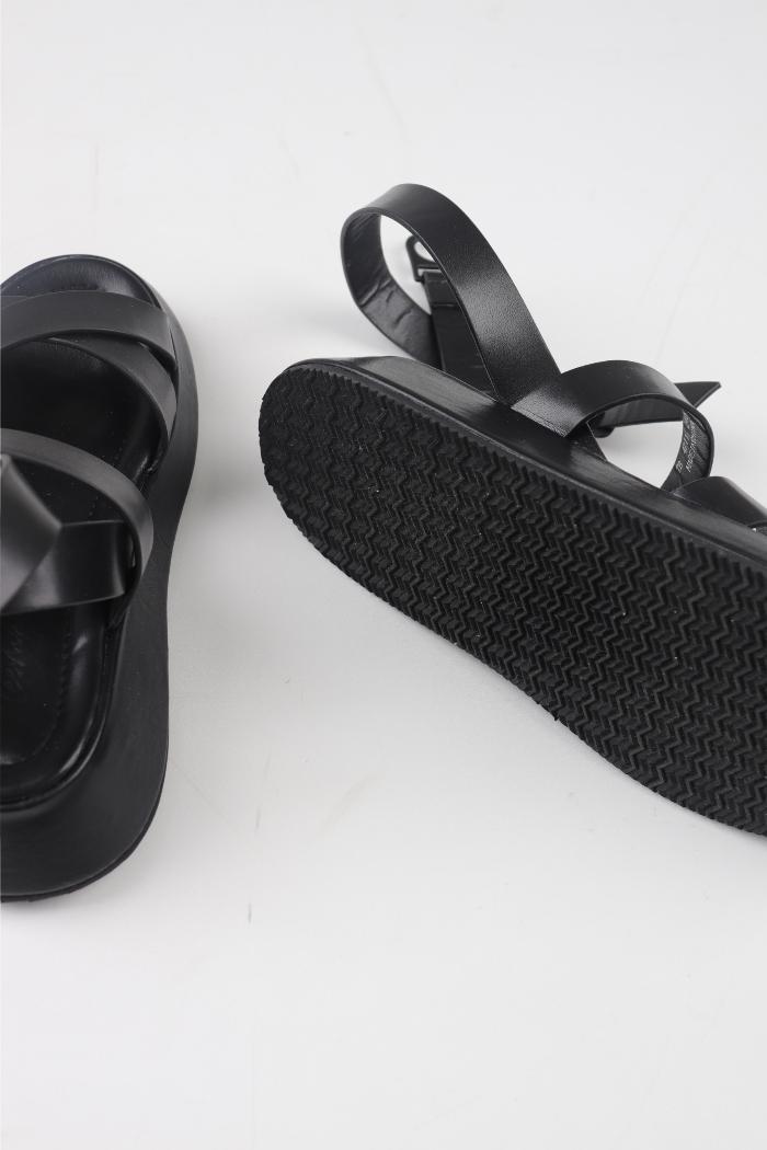 Bold strap cushion sandals