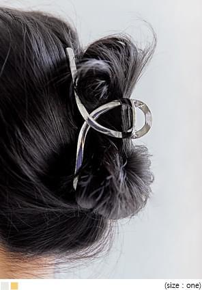 Loop Accent Metal Hair Clamp