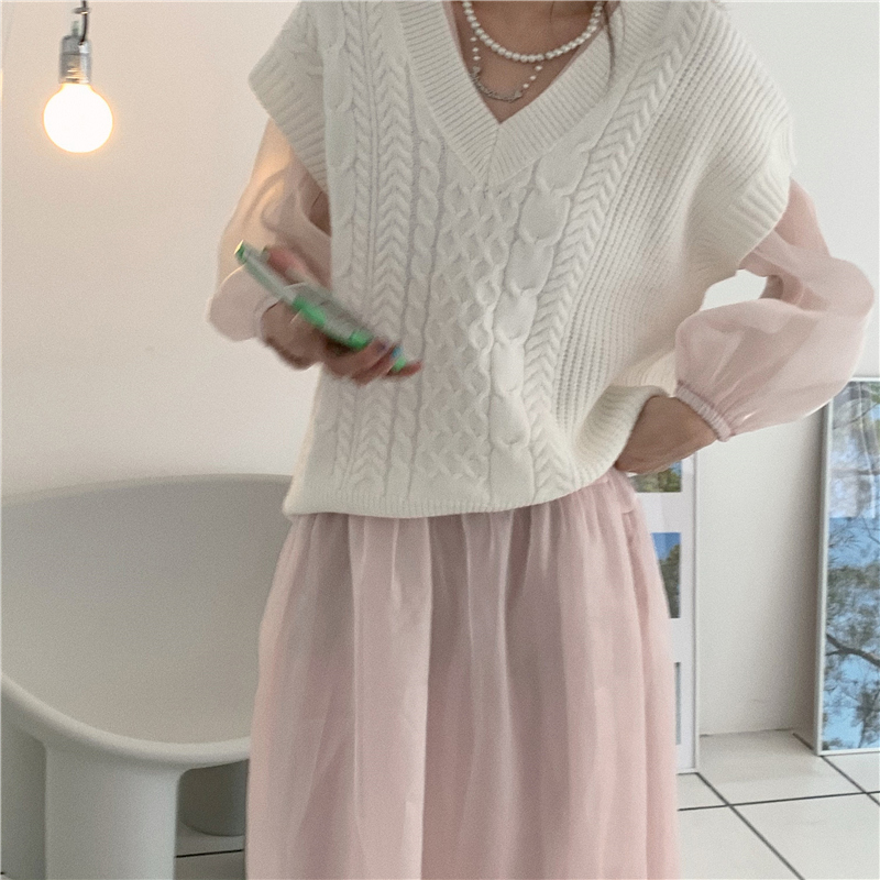 kn4230 Louise V-Neck Knitwear Vest