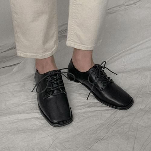 Hilln Loafers