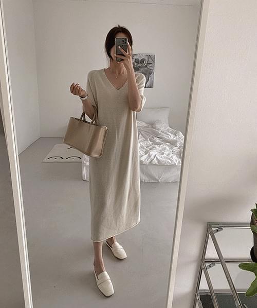 Robin V-Neck Knitwear Dress -Wool 70
