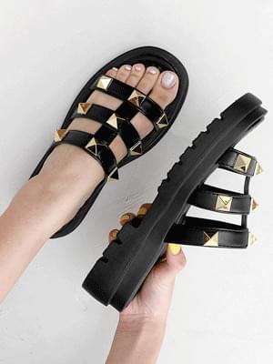 Issu Stud Full Heel Platform Slippers 10947