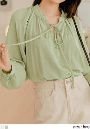 Ribbon Accent Gathered Blouse