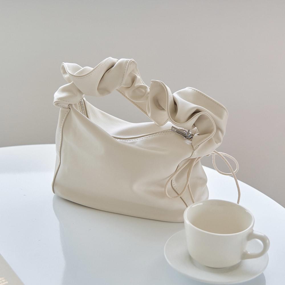 Shirred string shoulder bag