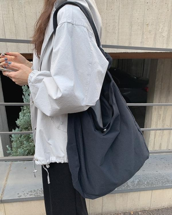Eco-knot crossbody bag